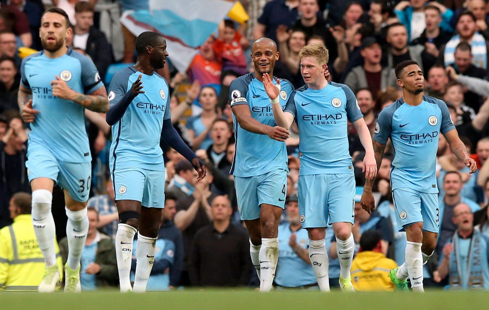 Manchester City feirer scoring i 3-0-seieren mot West Bromwich tirsdag.
