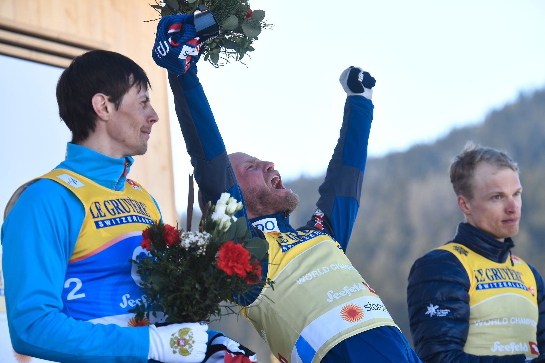 Så glad var Johnsrud Sundby etter gullet.