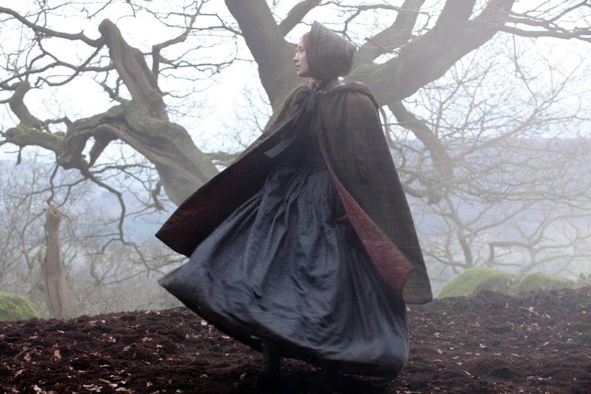 GOTISK: «Jane Eyre» har alt en god epokefortelling skal ha: Tragedie, spenning, mystikk og romantikk. I Mia Wasikowska har den klassiske kvinneskikkelsen fått en av sine beste fortolkere.