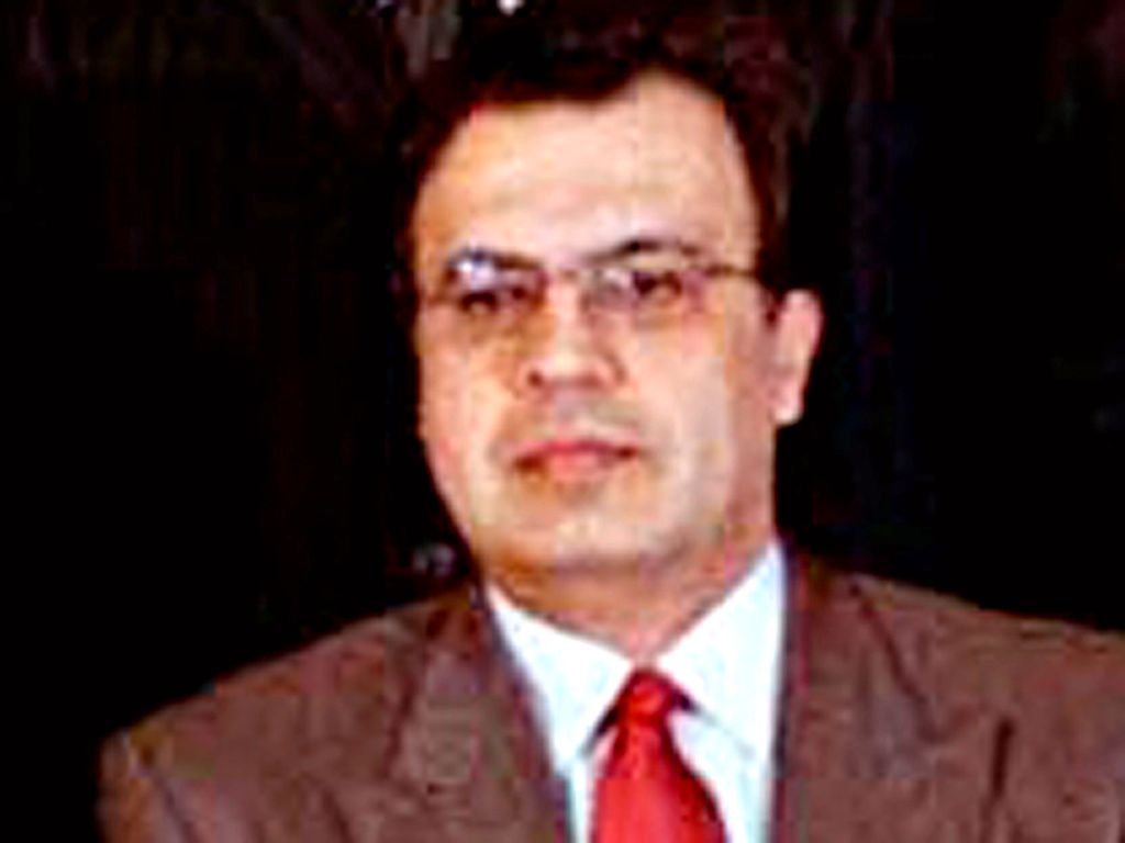 DREPT: Russlands ambassadør til Tyrkia, Andrej Karlov, her avbildet i Tokyo i 2005, er skutt og drept i Ankara.