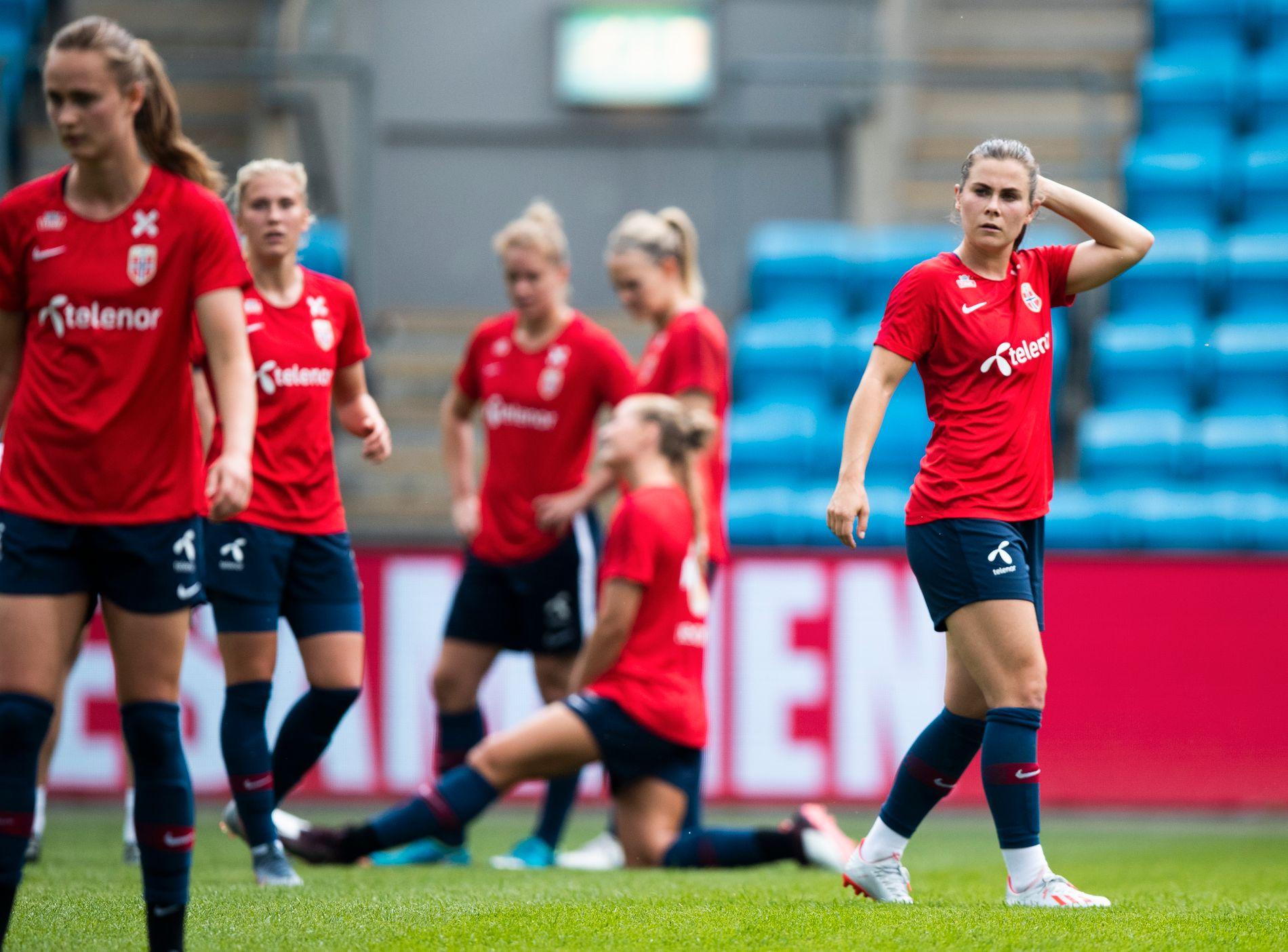 Kvinnelandslaget forbereder seg i disse dager til VM.