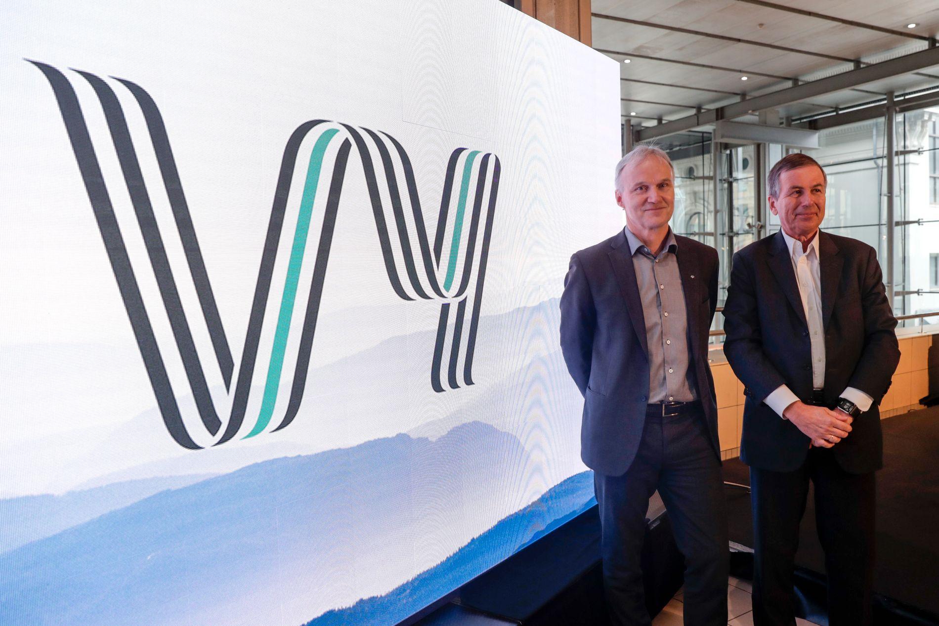 Vy er det nye navnet på NSB og Nettbuss. Navnet ble presentert av konsernsjef Geir Isaksen (til venstre) og styreleder Dag Mejdell i NSB tirsdag. Foto: Berit Roald / NTB scanpix