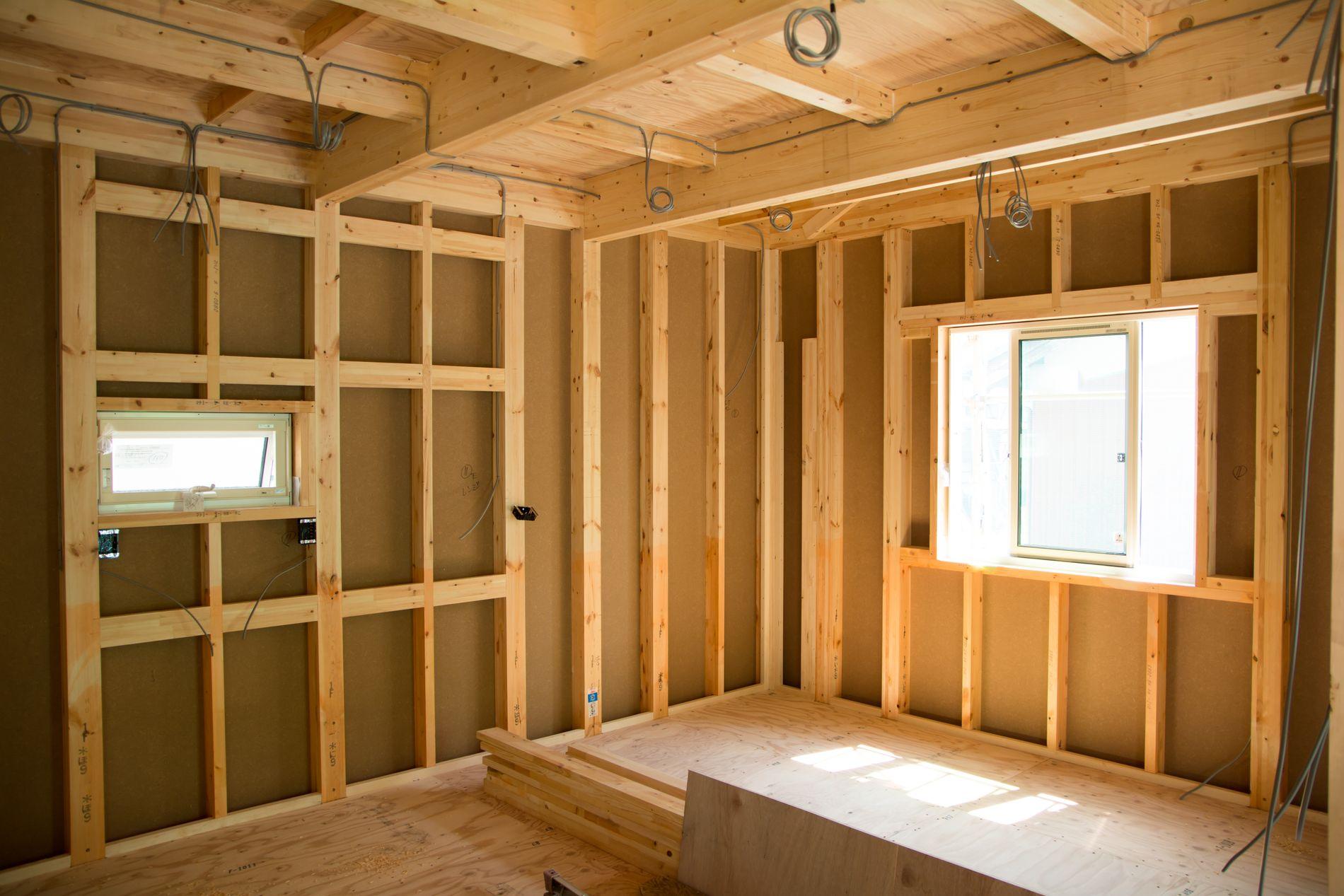 Det meste bør i byggeprosessen bør overlates til profesjonelle fagfolk, mener ekspertene.