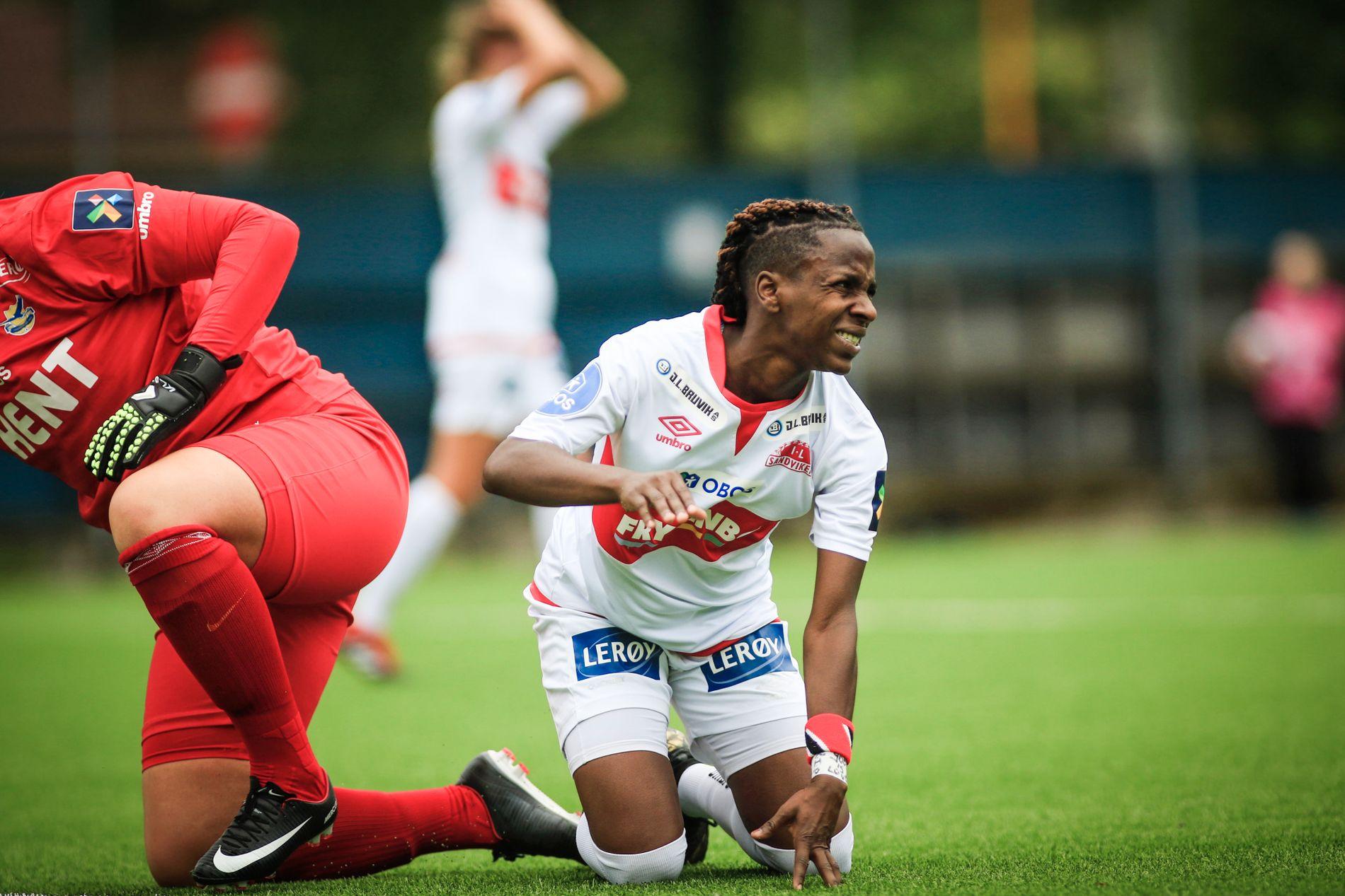 Kennya Cordner greide ikke å få ballen i mål mot Lyn lørdag. Her fra kampen mot Trondheims-Ørn tidligere i sommer.