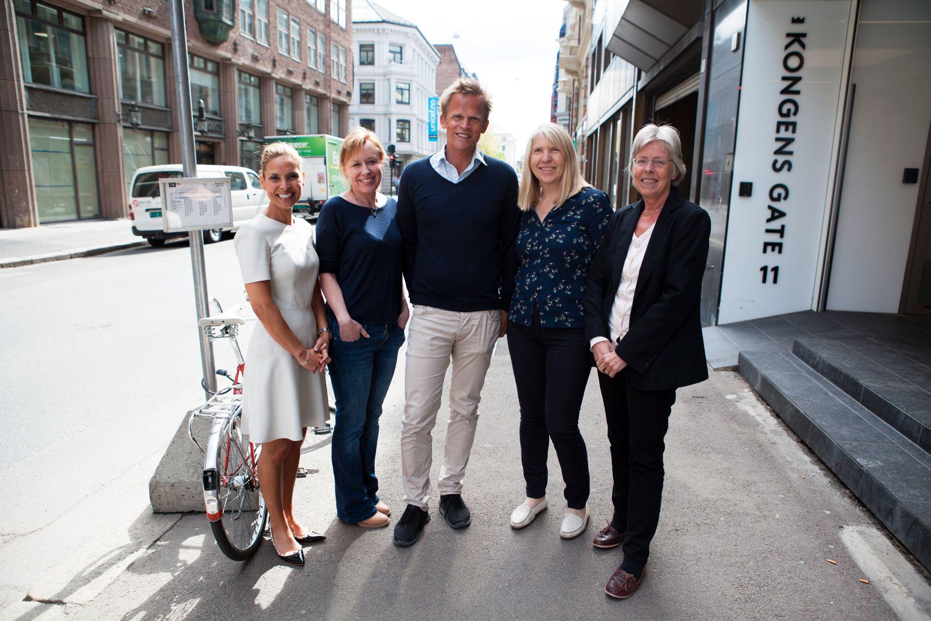 21. mai er den europeiske fedmedagen. I den forbindelse lanseres et nytt stort prosjekt. Dette er noen av de som er med i arbeidsgruppen. Fra venstre: Samira Lekhal, overlege ved Senter for sykelig overvekt i Helse Sør-Øst, Annechen Bugge, forsker ved SIFO, Knut Ivar Karevold, direktør i GreeNudge, Ida Synnøve Grini, rådgiver, Avdeling sensorikk, forbruker og innovasjon i Nofima og Øydis Ueland, forskningssjef, Avdeling sensorikk, forbruker og innovasjon i Nofima.