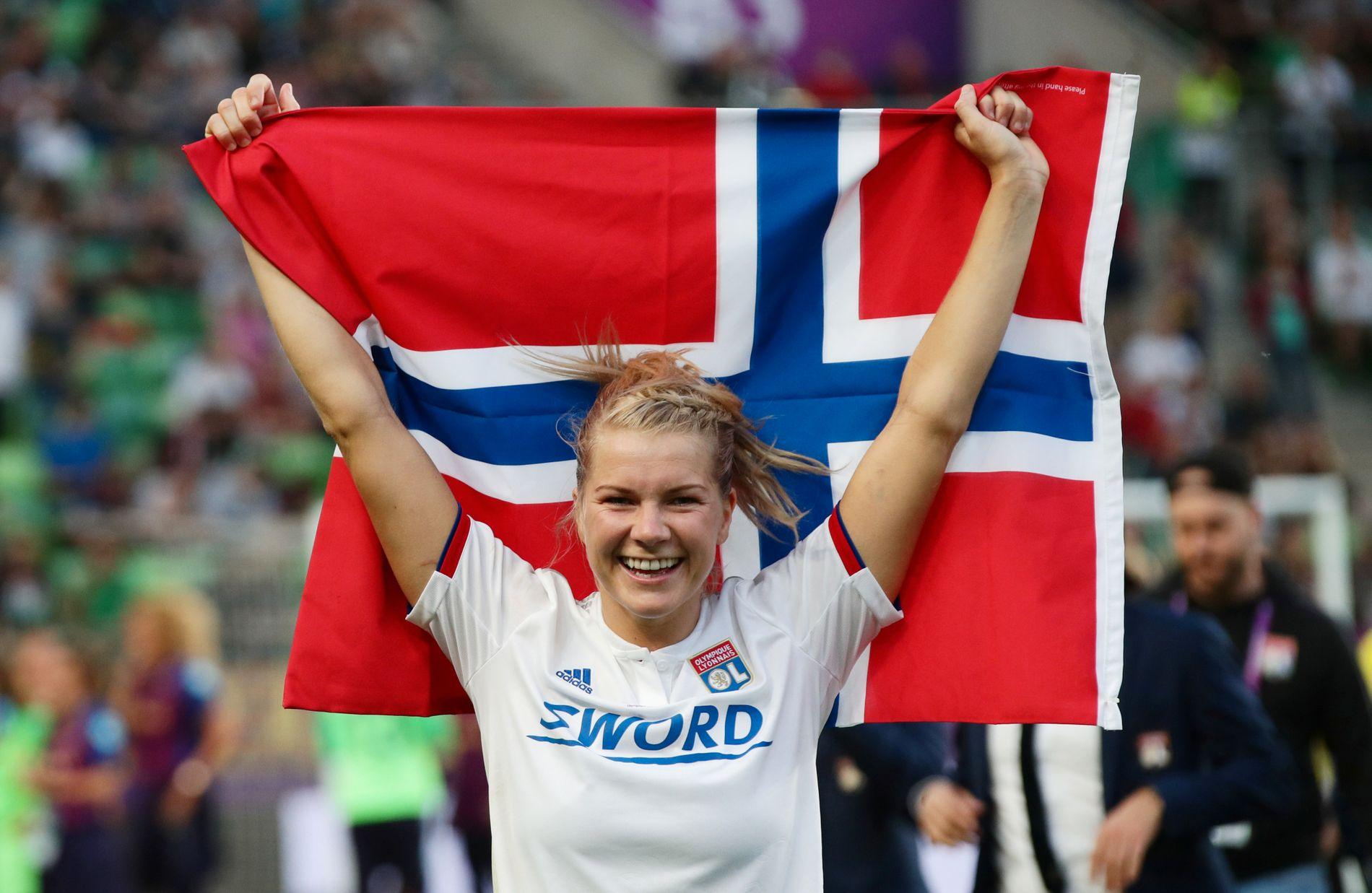Verdens beste: Her er Ada Hegerberg etter hun og Lyon slo Barcelona i Champions League-finalen i mai. Hegerberg er ikke en del av den norske troppen i det kommende verdensmesterskapet.