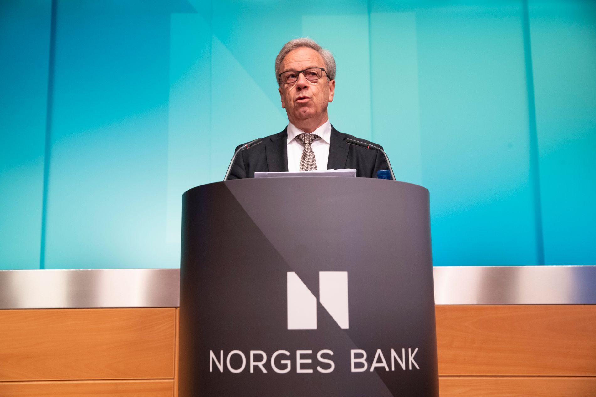 RENTEMANNEN: Sentralbanksjef Øystein Olsen heva fredag styringsrenta med 0,25 prosent, men justerte samstundes ned toppen på rentebanen.