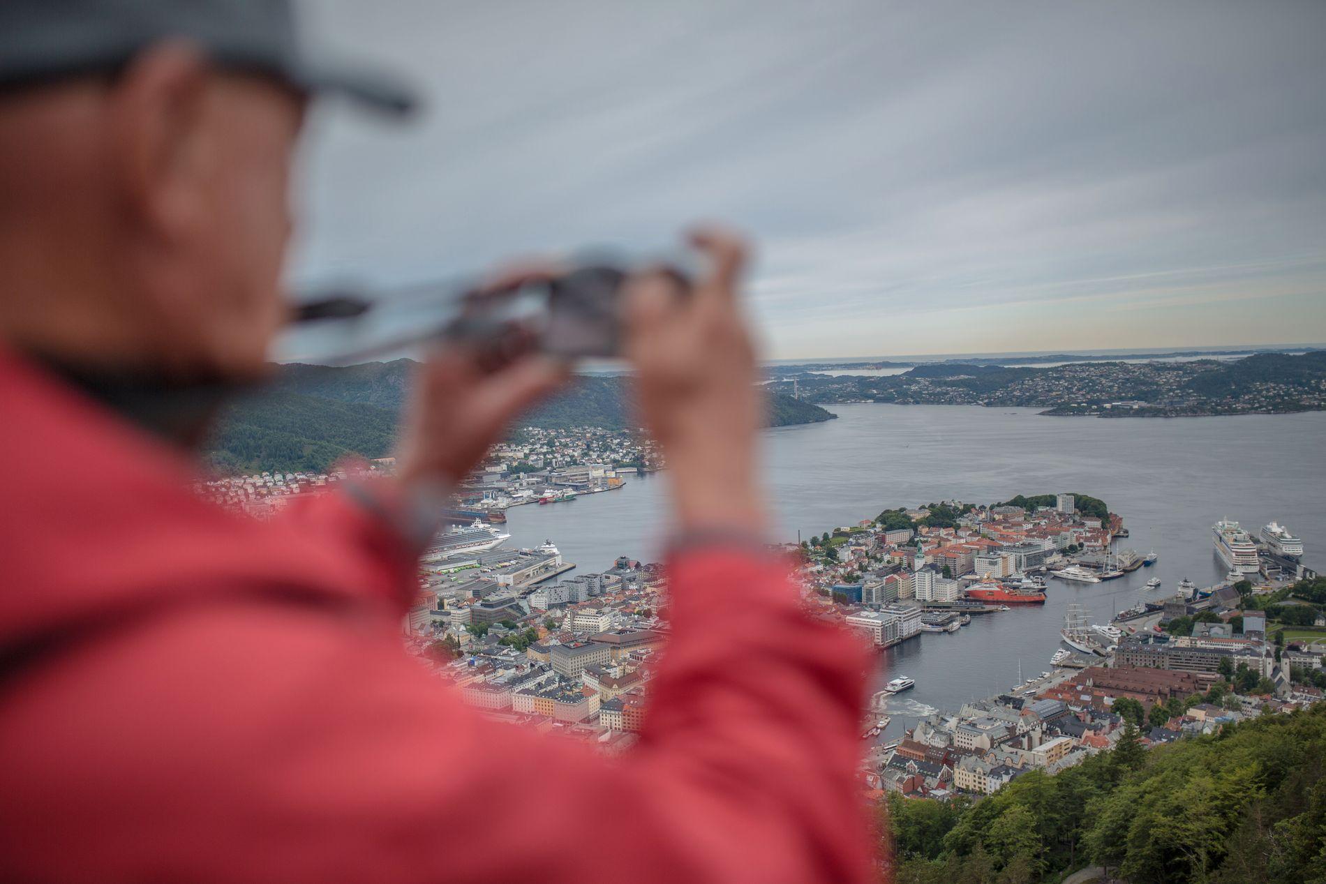 860 KRONER: Statistisk sentralbyrå kartla cruisepassasjerenes direkte forbruk om bord på skipene i 2014. Det er helt korrekt at resultatet viste en omsetning per passasjer på 860 kroner per dagsbesøk, skriver Tor Johan Pedersen.