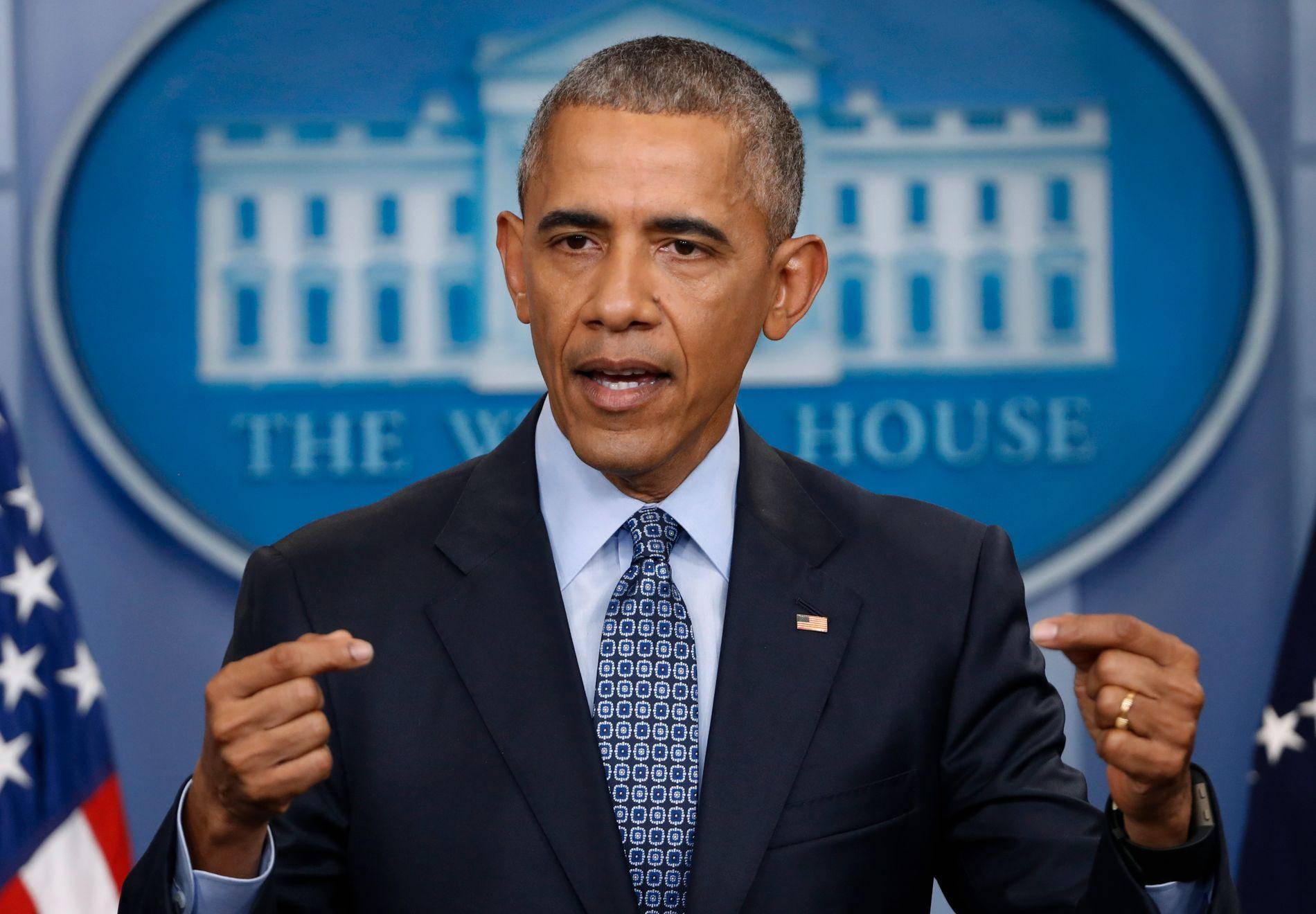 ADVARER: Barack Obama tar avstand fra president Donald Trumps innreiseforbud og flyktningstans.