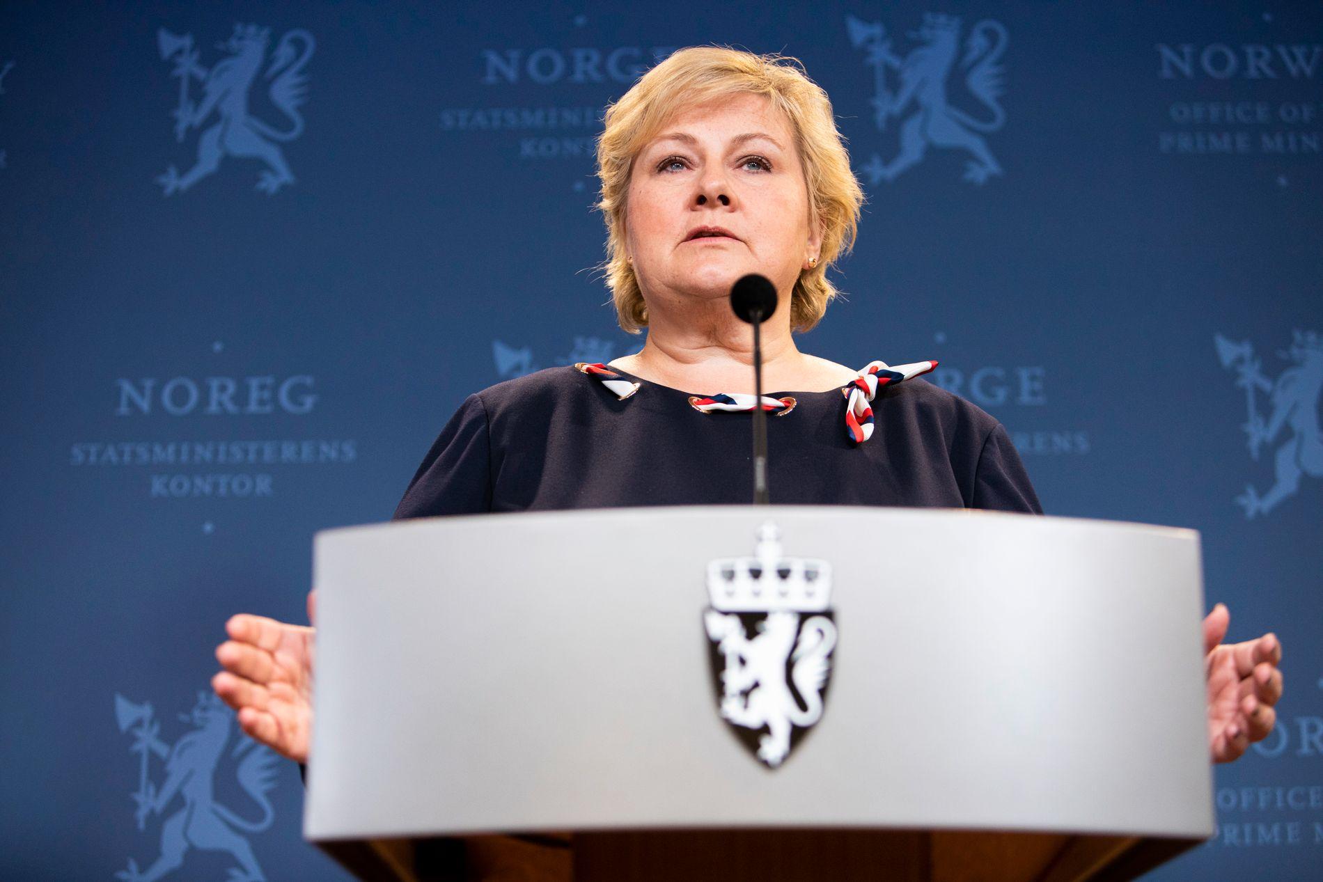 VARSLER: Statsminister Erna Solberg (H) varsler samtaler med de tre øvrige regjeringspartiene om bompengesaken.