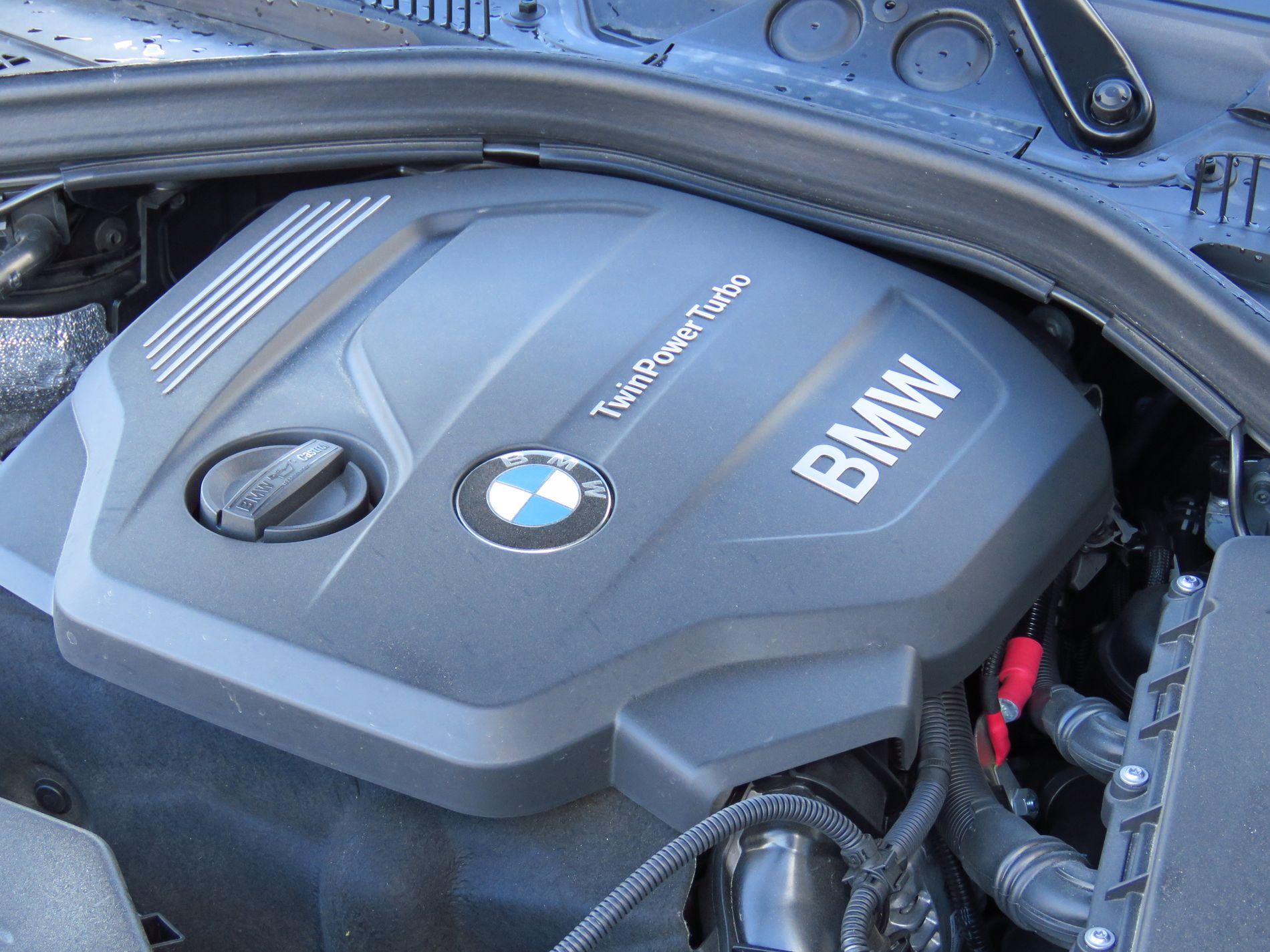 NEKTER: Både BMW og Mercedes-Benz benekter på det sterkeste å ha installert programvare som manipulerer utslippsverdier i sine biler. (Foto: Jan Harry Svendsen)