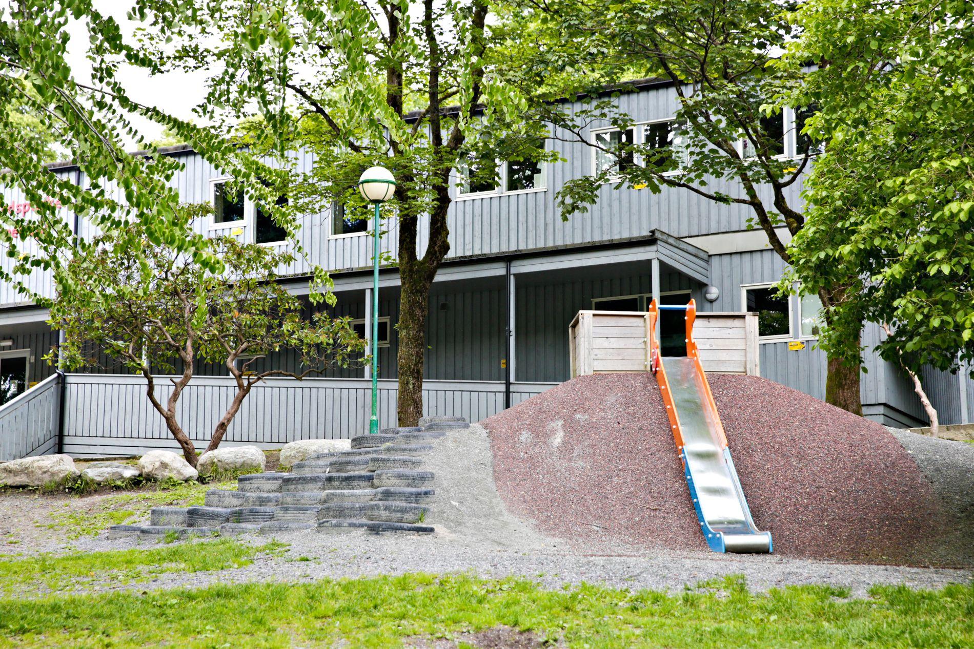 BRAKKER: Den provisoriske barnehagen i Nygårdsparken bør no fjernast, skriv BT på leiarplass.
