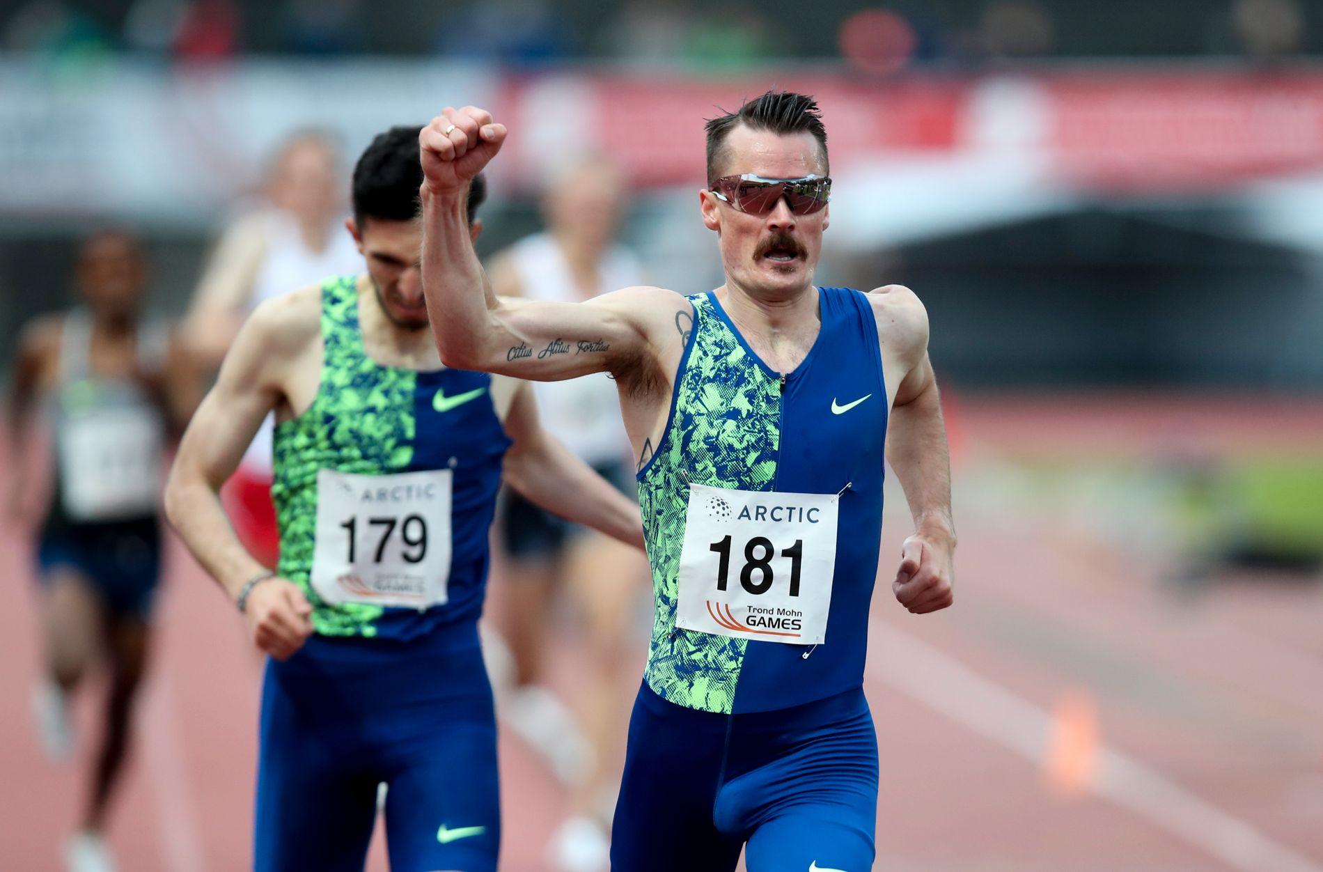 Henrik Ingebrigtsen vant 3000-meteren på Fana stadion i mai på tiden 7.52,74.