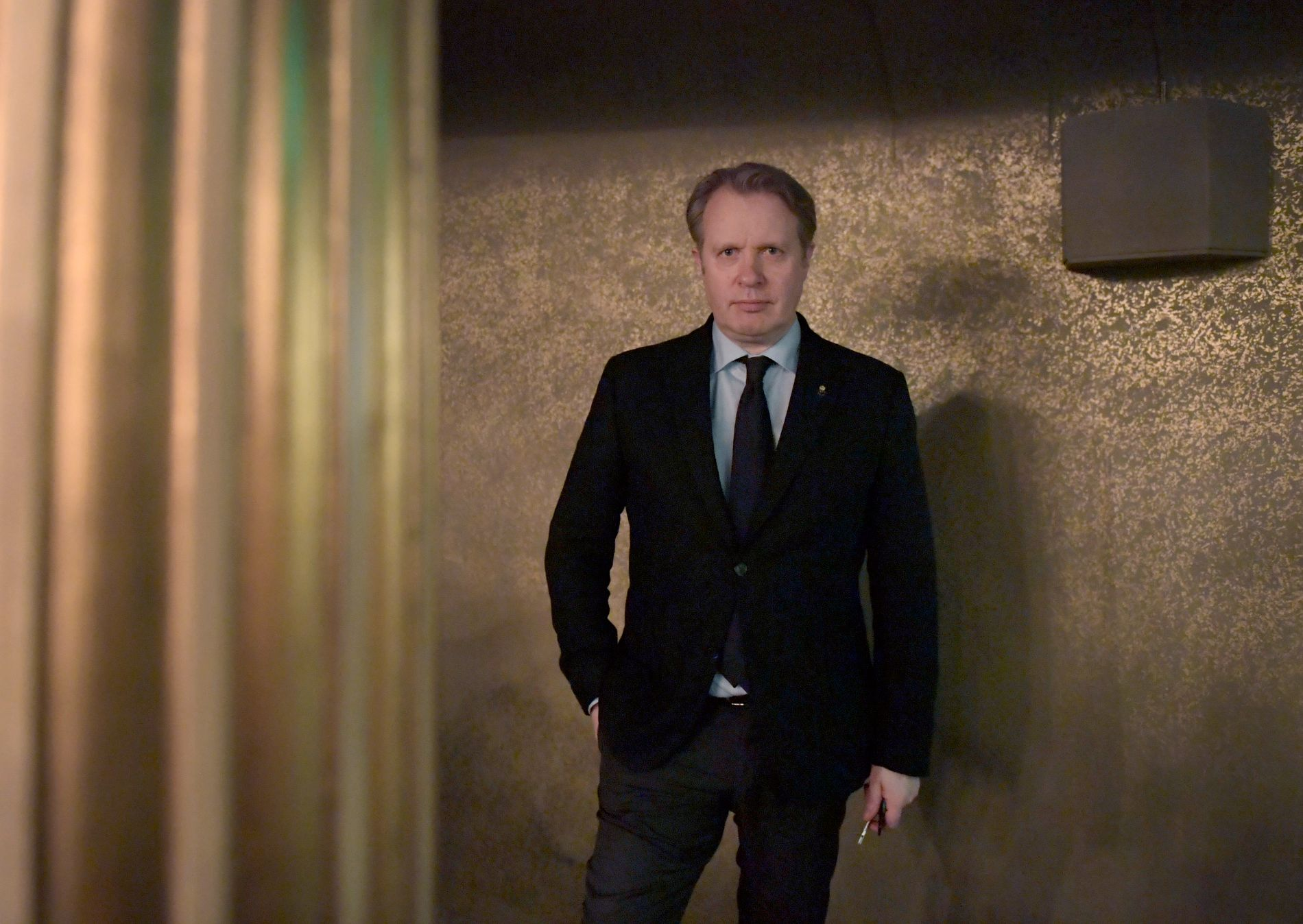 REAKSJON: Nordmannen Eirik Stubø sluttet mandag som teatersjef ved Sveriges nasjonalscene Dramaten. Det vekker sterke reaksjoner fra noen av Nordens fremste dramatikere.