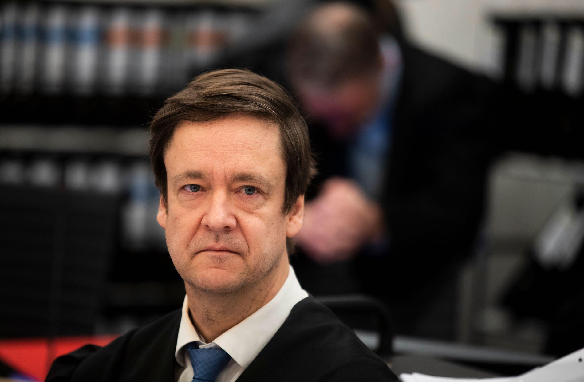 FØRTE SAKEN: Advokat John Christian Elden har ført sexdukkesaken for Høyesterett. Landets øverste domstol fastslår at slike dukker i barnestørrelse er straffbare å importere og eie.