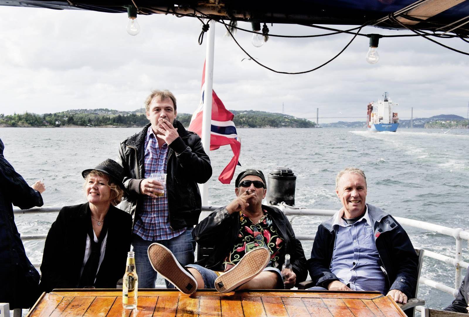FORNØYD PUBLIKUM: Osøren Blues & Jazzfestival er en festival med mange gjengangere.Noen har lært hvor man finner de beste plassene.